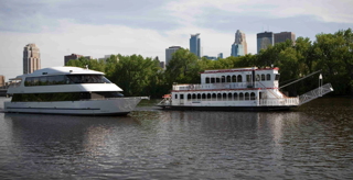 Paradise Charter Cruises on the Mississippi River