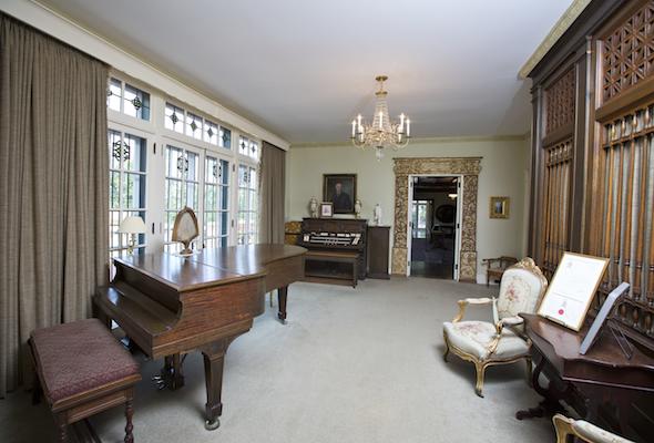 Mayowood Living Room Baby Grand Piano