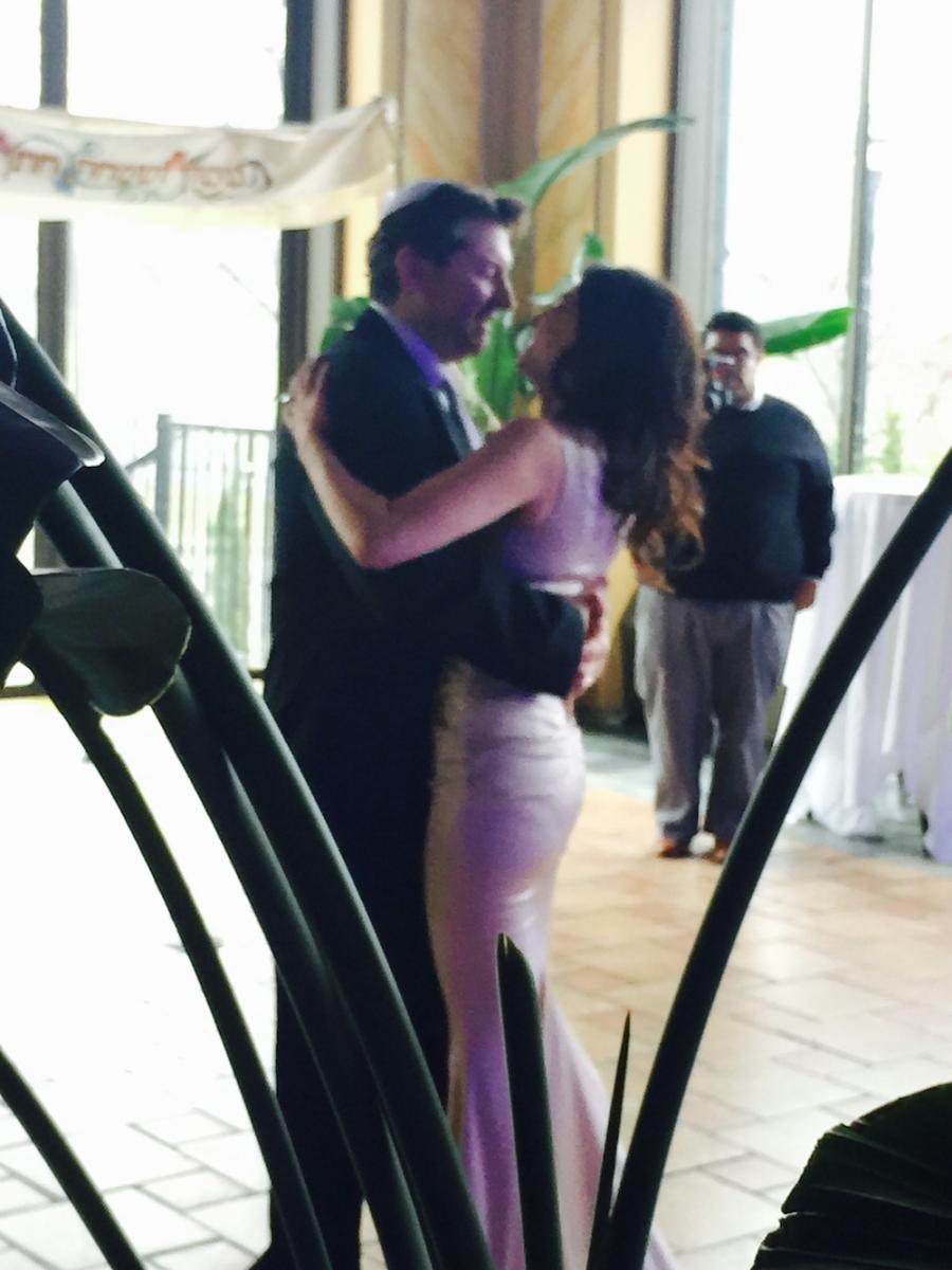 Jordana Green dancing at her wedding