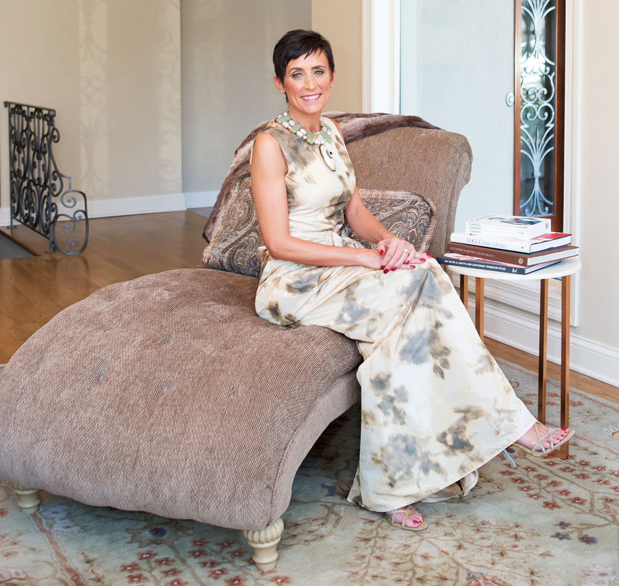 Sandy Simmons Fashion-Group-International