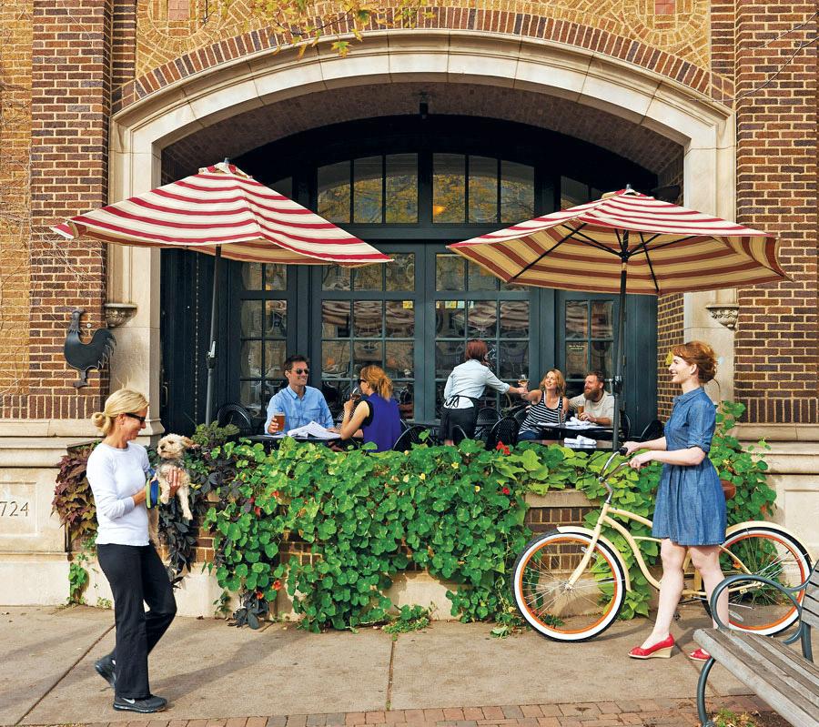 harriet brasserie, patios