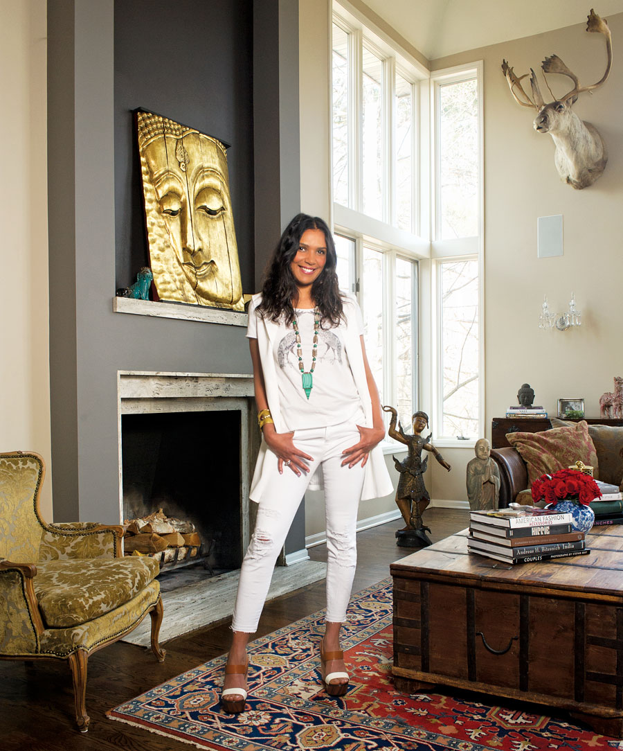 Mona Nunez, well styled