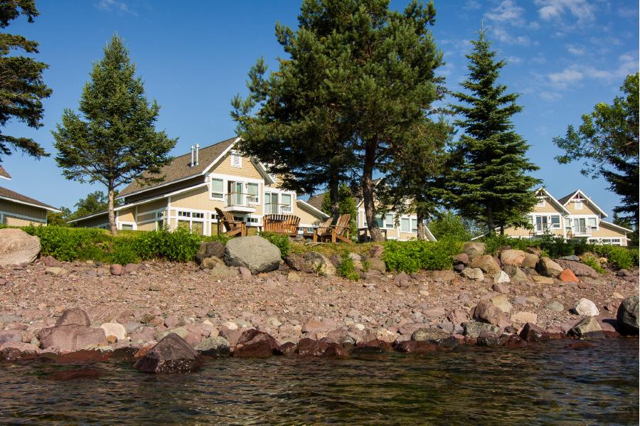 Waterfront lodging at Larsmont Cottages.
