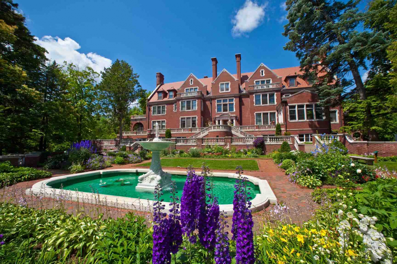 A south view of the mansion offers a glimpse of the formal gardens and fountain, too. Courtesy Glensheen Mansion.