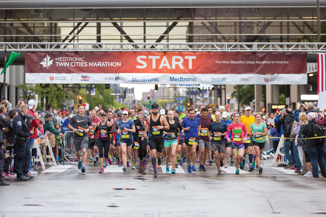 People at the starting line for the Twin Cities Marathon.