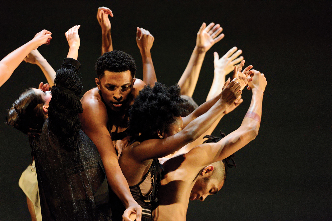 Performers from TU Dance performing.