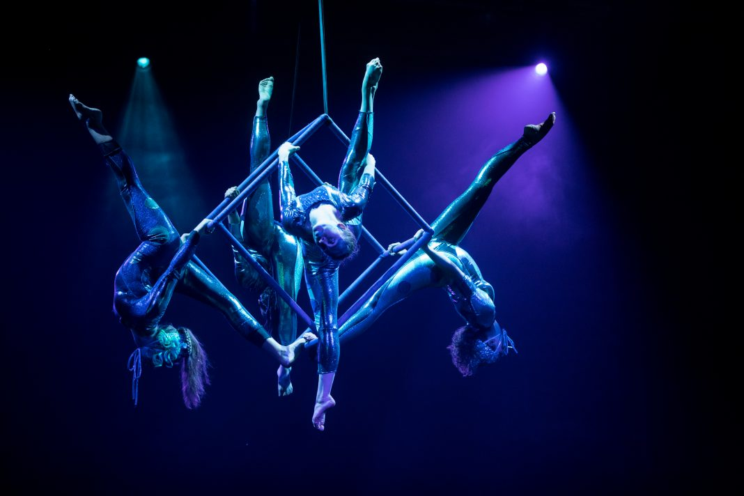 Acrobats from Circus Juventas performing