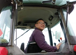 Janssen Hang, Hmong American Farmers Association