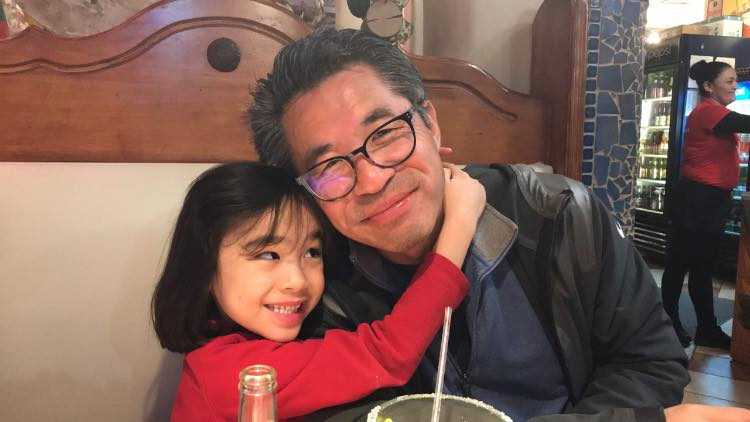 Yulin Yin with his daughter Emy