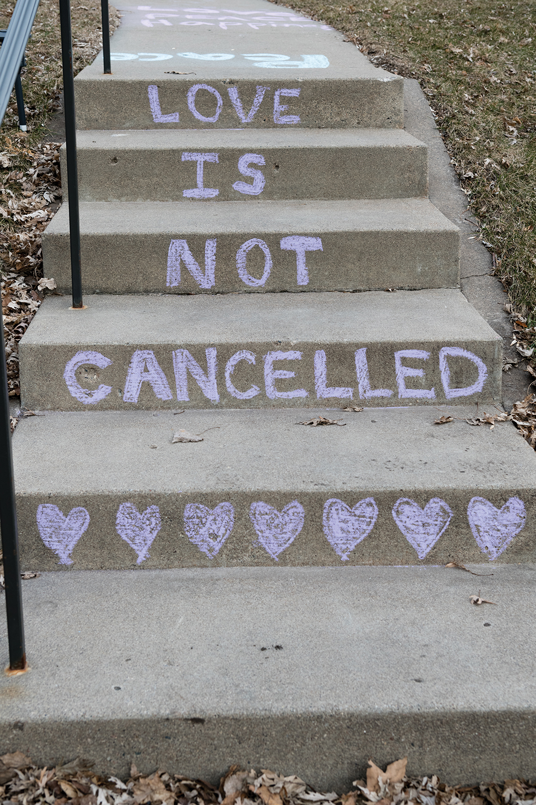 Concrete steps display one of many positive messages