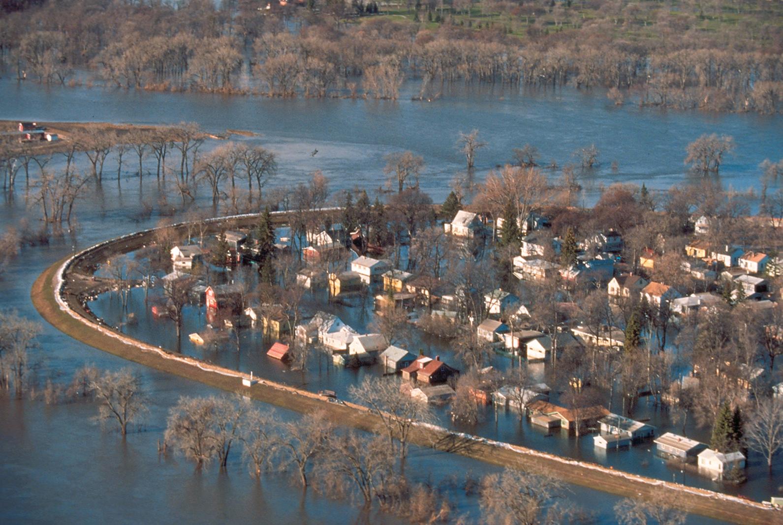 Severe flooding on the Minnesota-North Dakota border in 1997