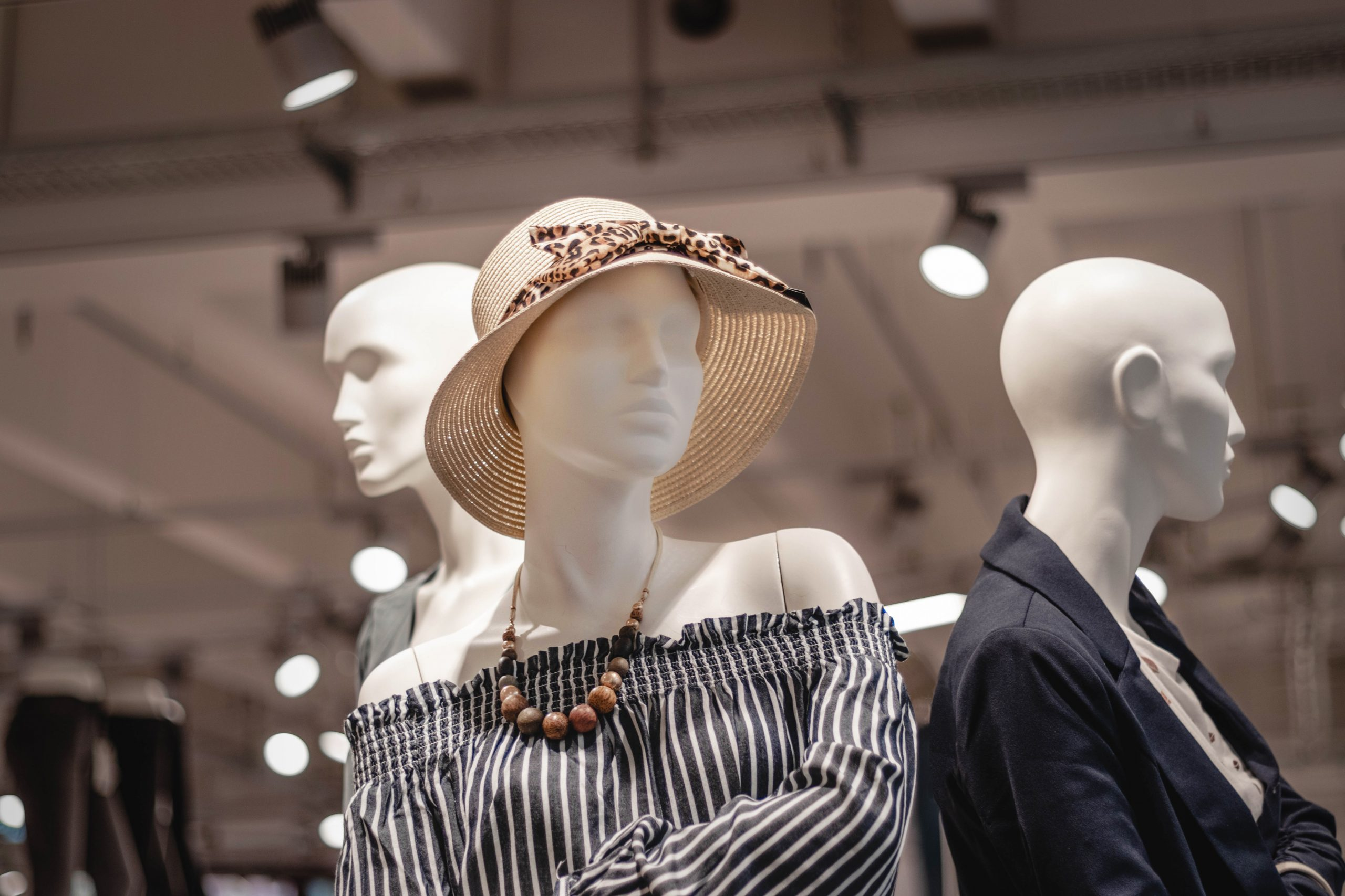 Mannequins at a mall, photo by Sara Kurfeß/Unsplash