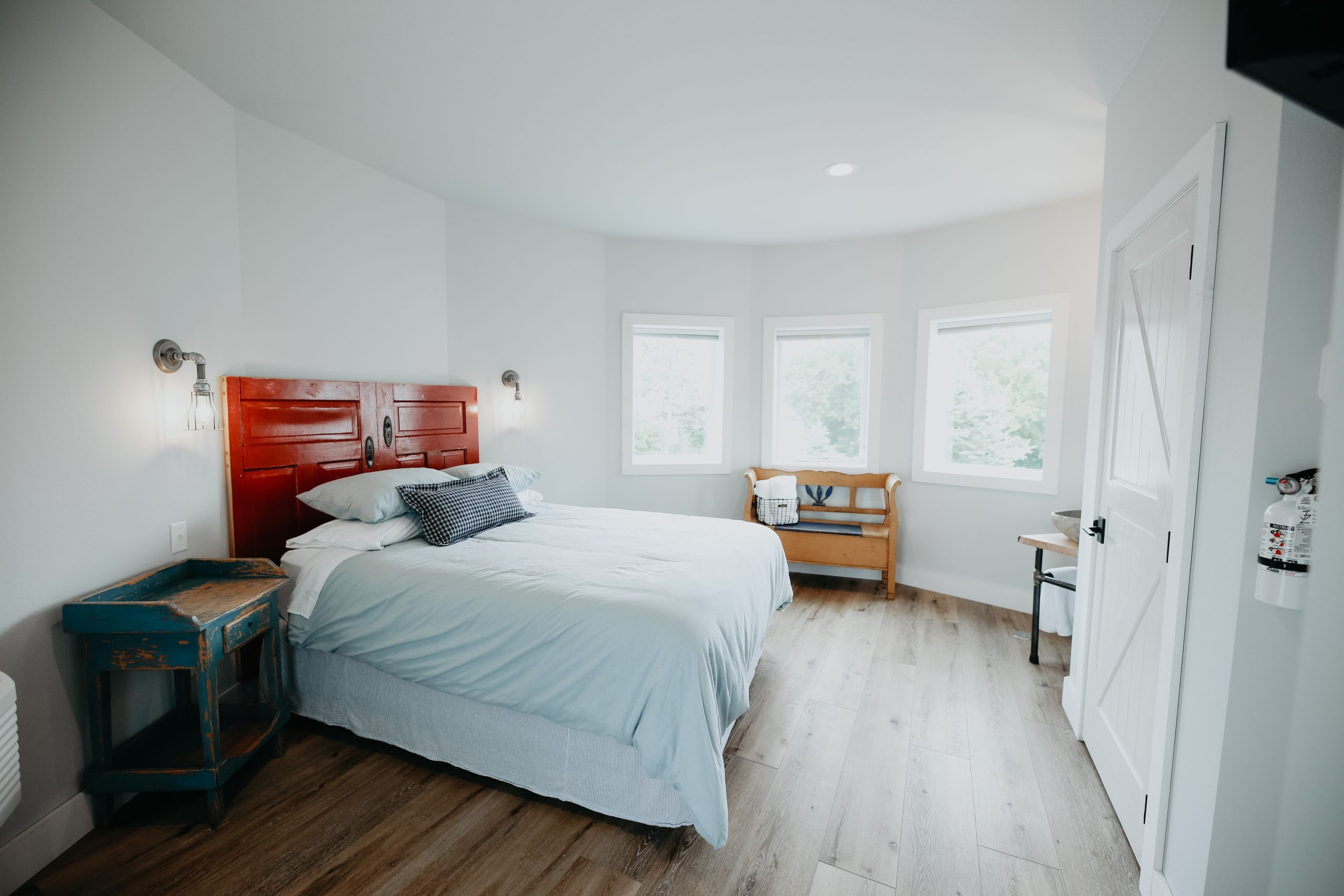 Another example of a bedroom...