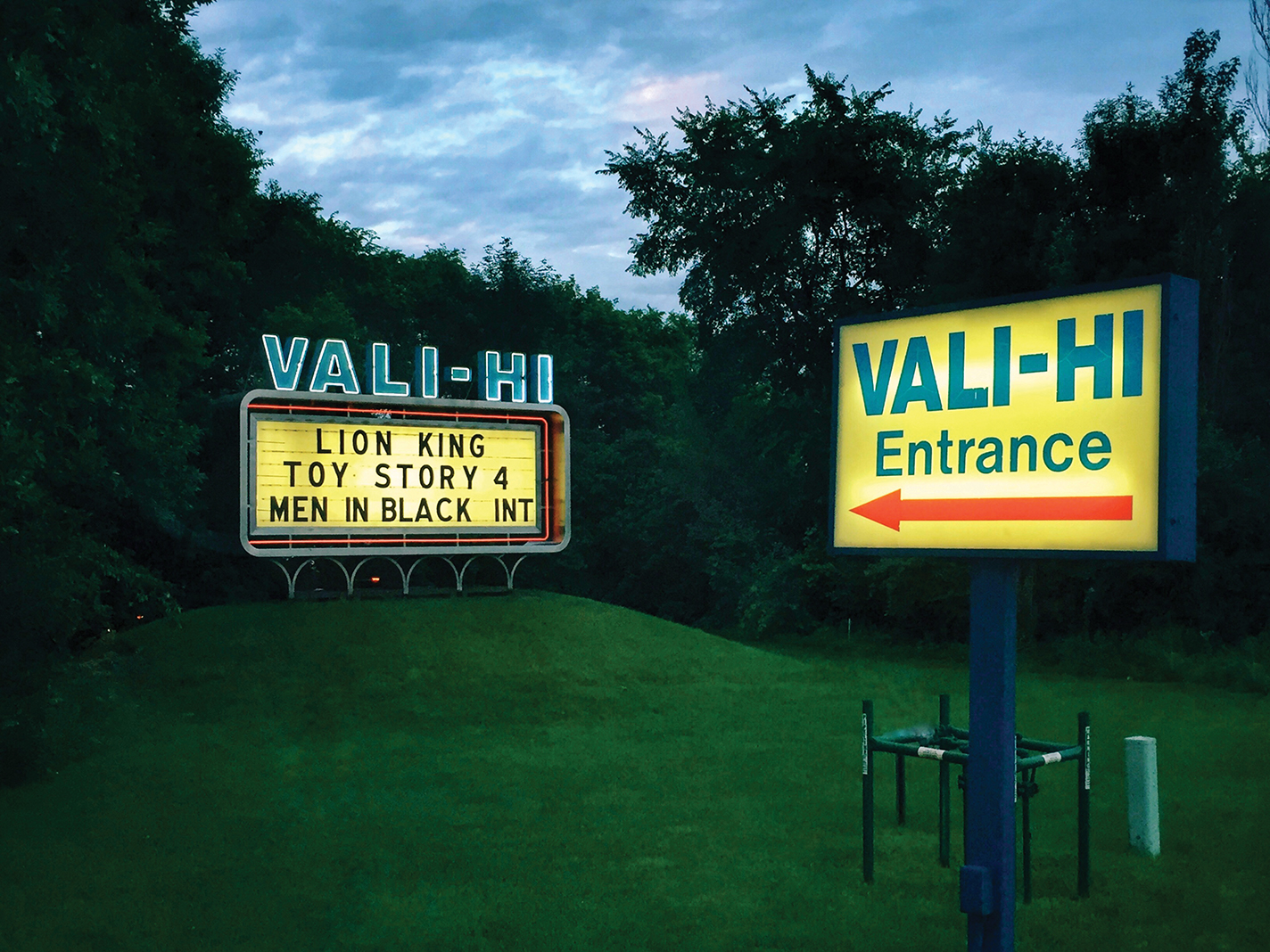 Vali-Hi Drive-In