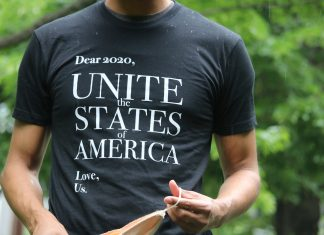 "Andy Frye's bipartisan T-shirt is a ""love letter"" to elected officials—and a plea"