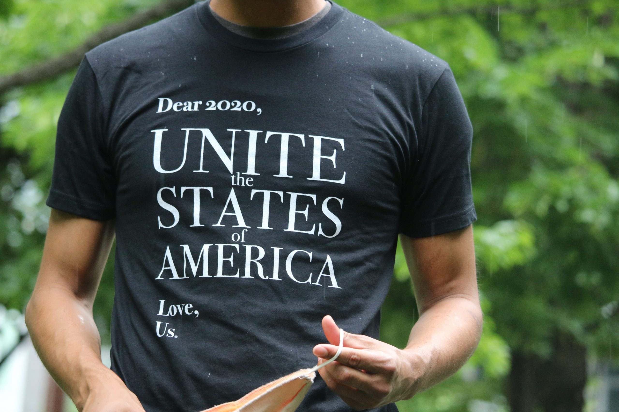 """Andy Frye's bipartisan T-shirt is a """"love letter"""" to elected officials—and a plea"""