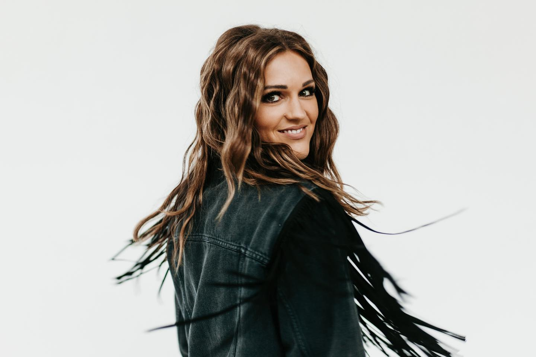 Singer-songwriter Julie Eddy