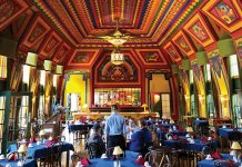 The dining hall of the Naniboujou Lodge
